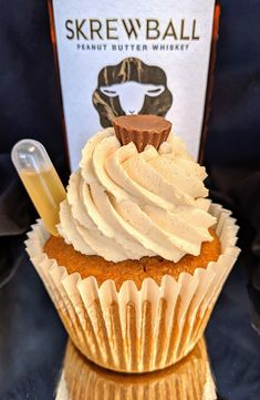 ~The Skrewball Peanut Butter Whiskey Pattycake~ It's a peanut butter cupcake bur. Cupcake Recipes, Baking Recipes, Cupcake Cakes, Dessert Recipes, Chef Recipes, Just Desserts, Delicious Desserts, Yummy Food, Tasty