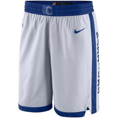 Golden State Warriors Nike Swingman Performance Shorts – White Mens Gym Shorts, Mens White Shorts, Nike Athletic Shorts, Athletic Outfits, Mens Athletic Fashion, Mens Fashion, Golden State Warriors Shorts, Gym Outfit Men, Mens Activewear