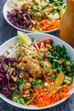 Brunch-Lunch-Dinner Thai Peanut Chicken Buddha Bowls on Closet Cooking What Lies Below This article Healthy Chicken Recipes, Asian Recipes, Cooking Recipes, Healthy Thai Recipes, Cooking Corn, Camping Cooking, Paleo Meals, Recipe Chicken, Kitchen Recipes