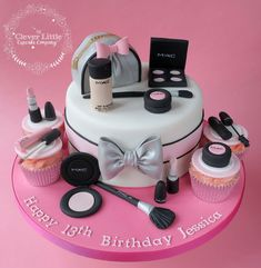 New Birthday Cake For Teens Makeup Make Up Ideas Makeup Birthday Cakes, 13 Birthday Cake, Bithday Cake, Birthday Cakes For Teens, Spa Birthday, Birthday Cake Decorating, Teen Cakes, Girl Cakes, Mac Makeup