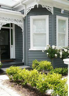 black front door with white trim House Design, Cottage Exterior, House Color Schemes, House Front, Hamptons House, Exterior Design, Weatherboard House, House Painting, House Paint Exterior