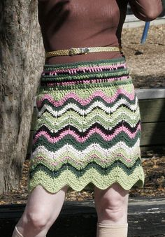 This Missoni-inspired Chevron Skirt is available as a free tutorial at Tension Magazine. To view the entire tutorial, you will need to be a registered member. Crochet Bodycon Dresses, Black Crochet Dress, Crochet Skirts, Knit Skirt, Crochet Clothes, Unique Crochet, Free Crochet, Knit Crochet, Chevron Crochet