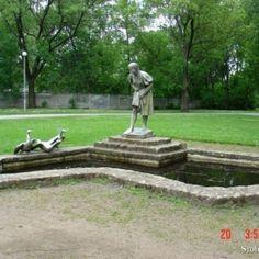 Hódmezővásárhely - Kisfaludi Strobl Zsigmond  -Libás lány Hungary, Garden Sculpture, Outdoor Decor