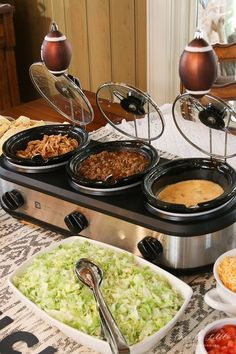 football party food Ideas for creating a yummy Taco Nacho Bar for the big game or any festive event! Lots of make ahead ideas fand dollar store decorating ideas! Nacho Bar, Taco Bar Buffet, Taco Bar Menu, Taco Salad Bar, Fall Party Ideas, House Party, Party Food Bars, Food For Party Buffet, Healthy Recipes