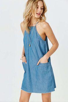BDG - Robe droite enn chambray à col cheminée - Urban Outfitters