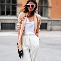 Tryaffinity.com | Ace the tailored-yet-effortless look with tips from Rue Magazine Style Editor @victoriadelacamara - Image via @zinafashionvibe