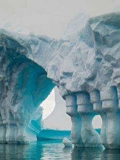iceburg sculpture Natural columns made from waves, tides, and flooding. Okay not a rock but still cool.