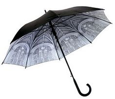 I have this umbrella. Unfortunately it's too windy in Missouri when it rains so I rarely get to use it.