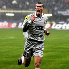 A wonder-strike from midfield wizard Zinedine Zidane in 2000 makes our Top 10 #InterJuve goals. Vote for your favourite on Juventus.com. #FinoAllaFine #ForzaJuve #JuveToday #InstaJuve