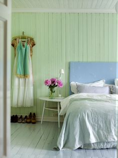Mint walls in my room, deeper blue on the ceiling. Decor, Beautiful Bedrooms, Home, Calming Bedroom, Luxury Bedroom Furniture, Luxurious Bedrooms, Country Cottage Decor, Bedroom Decor, Bedroom Color Schemes