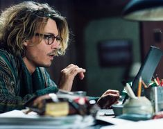 "Johnny Depp writing away in ""Secret Window"" ~ Is it his best movie? But it is Johnny Depp.in a robe. Johnny Depp Secret Window, Movies About Writers, Caroline Dhavernas, Internal Monologue, Internet Music, Men Are Men, Johnny Depp Movies, Johny Depp, Monologues"