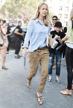#JenniferNeyt keeping it casual in Paris.