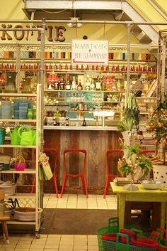 villa augustus - market cafe