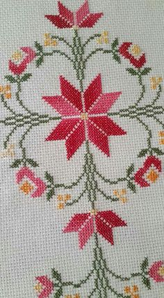 This Pin was discovered by Züh Cross Stitch Love, Cross Stitch Borders, Cross Stitch Flowers, Cross Stitch Designs, Cross Stitching, Cross Stitch Patterns, Hand Embroidery Designs, Beaded Embroidery, Cross Stitch Embroidery
