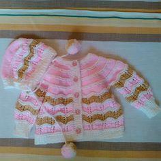 Bílo-béžovo-růžový svetřík a čepeček Crochet, Pattern, Sweaters, Fashion, Knitted Baby, Dressmaking, Breien, Moda, Fashion Styles