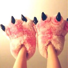 Pink Fuzzy Bear Paw Animal Slippers I want these socks so badly! They're so cute Cute Slippers, Pink Slippers, Bedroom Slippers, Crocheted Slippers, Felted Slippers, Sock Shoes, Cute Shoes, Girl Clothing, Plushies