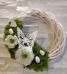 DIY Wianek Wielkanocny – Moje Własne Xmas Wreaths, Easter Wreaths, Wooden Wreaths, Egg Decorating, How To Make Wreaths, Diy Wreath, Design Crafts, Making Ideas, Floral Arrangements