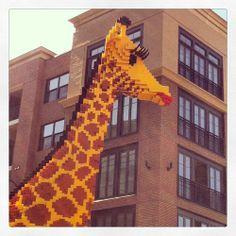 Life size lego giraffe - DiscoverAssemblySquare.com