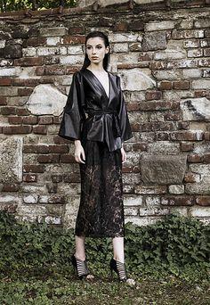 Fleurs du Mal by Simona Semen Toamnă-Iarnă Designers, Style, Fashion, Journals, Swag, Moda, Fashion Styles, Fashion Illustrations, Outfits
