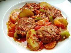Casserole of Turkish Meatballs with Aubergine, Potatoes, Tomatoes and Peppers – Sebzeli Firin Kofte Turkish Meatballs, Lamb Meatballs, Turkish Recipes, Ethnic Recipes, Persian Recipes, Red Cabbage Salad, Bulgur Salad, Turkish Kitchen, Recipes