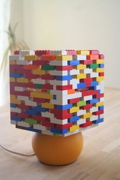 DIY : LEGO  Lamps -- (the link is in Hungarian, but the pics are self-explanatory)  so cute :)