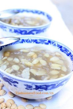 Hyacinth Bean Sweet Soup Recipe (Chè Đậu Ván). Get more info at http://www.vietnamesefood.com.vn/vietnamese-recipes/vietnamese-dessert-recipes/hyacinth-bean-sweet-soup-recipe-che-dau-van.html