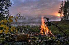 Kochen in der Wildnis © Asko Kuittinen/ Visit Finland Helsinki, Go Camping, Outdoor Life, Nature Pictures, Wilderness, Norway, Waterfall, Scenery, Adventure