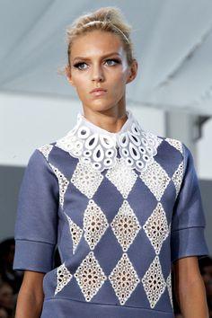 Anja Rubik @ Louis Vuitton Spring 2012