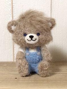 Wool Needle Felting, Needle Felted Animals, Felt Animals, Felt Fabric, Fabric Dolls, Felt Diy, Felt Crafts, Handmade Soft Toys, Art Corner