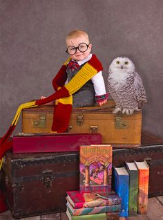 175369f988639 29 Adorable Photos Of Babies Who Already Love Harry Potter