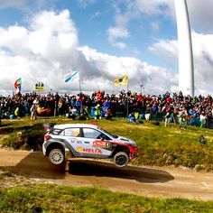 Thousands of #fans cheered loudly for a high #jump! - @hyundai_company - #현대월드랠리 팀의 멋진 #점프 에 환호하는 팬들 - #WRC #Portugal #Rally #Hyundai_World_Rally #team #ThierryNeuville #DaniSordo #HaydenPaddon #i20 #high #sky #audience #cloud #road #photooftheday #instadaily #포르투갈 #랠리 #티에리누빌 #다니소르도 #헤이든패든 #모터스포츠 #관중 #현대자동차 #자동차 #자동차그램