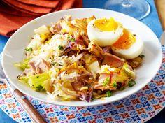 Unser beliebtes Rezept für Reispfanne mit Spitzkohl, Thunfisch und wachsweichen Eiern und mehr als 55.000 weitere kostenlose Rezepte auf LECKER.de.