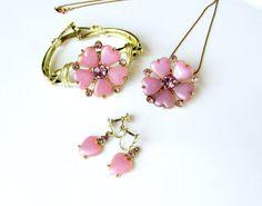 Vintage Pink Jewelry Set Necklace Bracelet by SunburyVintageStore