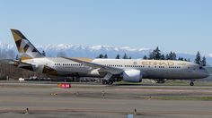 Etihad Airways Boeing 787-9 Dreamliner (registered A6-BLB)