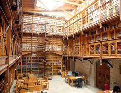 Biblioteca del monasterio de Santo Domingo de Silos, Burgos, España
