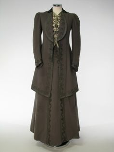 Coat and Skirt, Horan Smith & Goulden Ltd.: ca. 1908-1910, European, woolen cloth lined with figured silk, skirt lined with glazed cotton, trimmed with braid.
