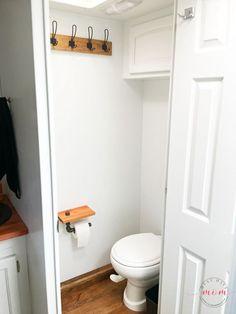 RV bathroom makeover after Farmhouse Style Kitchen, Modern Farmhouse Decor, Modern Rustic, Rv Interior, Bathroom Interior, Interior Ideas, Camper Bathroom, Makeover Before And After, Rv Makeover