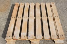 Disassembling pallets for DIY construction method #1