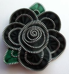 Black  Floral Brooch / Zipper Pin - Approx 3.5 in / 9 cm - by ZipPinning - 3090 by ZipPinning on Etsy