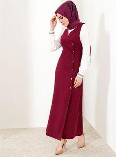 The perfect addition to any Muslimah outfit, shop Refka's stylish Muslim fashion Purple - Crew neck - Unlined - Dresses. Modest Fashion Hijab, Abaya Fashion, Muslim Fashion, Fashion Dresses, Hijab Dress, Hijab Outfit, Fifties Fashion, Muslim Women, Muslim Girls