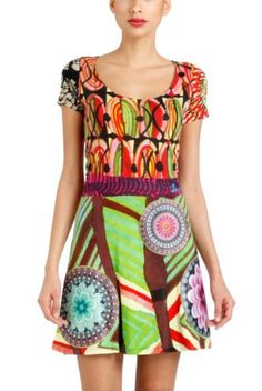 Praga dress it's here for you. Enjoy the colors of this spring with your Desigual Look