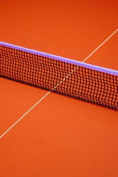 - An orange tennis court (or maybe some other kind of court?) - love the contrast between the orange an the purple. Nicely composed image as well with the net and the white line forming a sort of lopsided cross. Orange Aesthetic, Aesthetic Colors, Rainbow Aesthetic, Urban Aesthetic, Et Wallpaper, Rainbow Wallpaper, Vive Le Sport, Le Vent Se Leve, Minimal Photography