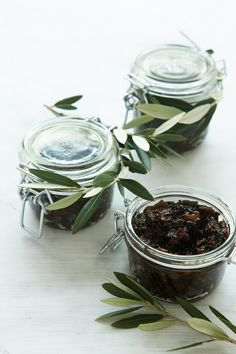 Fig and Olive Chutney