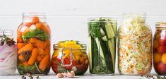 Pickles: Superpotravina našich babiček upraví zažívání a posílí imunitu Basic Brine, Brine Recipe, Great Recipes, Healthy Recipes, Food Combining, Tasty, Yummy Food, Sour Taste, Fermented Foods