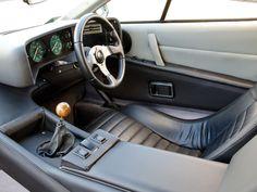 1976 Lotus Esprit Weird Cars, Cool Cars, Classic Sports Cars, Classic Cars, Bonnie And Clyde Death, Classic European Cars, Car Console, Dashboard Car, Lotus Esprit