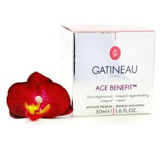 Anti-aging Moisturising cream This powerfully targeted cream targets all the advanced signs of ageing whilst providing skin with essential moisture. Best Anti Aging Creams, Anti Aging Serum, Anti Aging Skin Care, Spoil Yourself, Skin Products, Skin Cream, Perfume, Fragrance, Skin Care Products