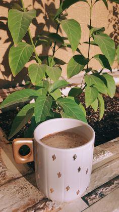 Coffee And Books, Coffee Love, Coffee Art, Coffee Shake, Coffee Drinks, Coffee Photography, Tumblr Photography, Aesthetic Coffee, Snap Food