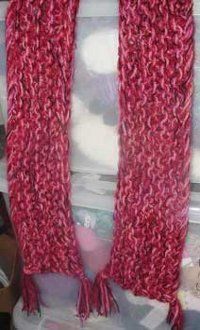 If you're trying to find simple free knit scarf patterns, this Easy Peasy Scarf would be a great choice. Just cast on 26 stitches and in a couple hours you'll have a completed scarf.  Whether you decide to include fringe on your scarf, or go without,