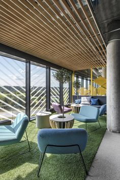 LAVA studio has implemented a modern work culture design for the new HELIS offices, an IT company located in Kaunas, Lithuania. Office Furniture Design, Office Interior Design, Office Interiors, Room Interior, Interior Ideas, Staff Lounge, Office Lounge, Open Concept Office, Office Canteen
