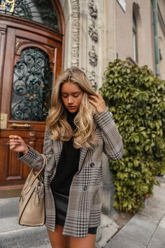 How To Get And Buy Gorgeous Stylish Clothes – Clothing Looks Outfit Chic, Blazer Outfit, Plaid Blazer, Stylish Outfits, Cute Outfits, Fashion Outfits, Womens Fashion, Modest Outfits, Ladies Fashion